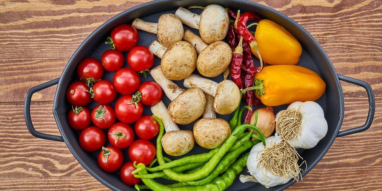 Zdrowe i niedrogie produkty, które zawsze warto mieć w kuchni