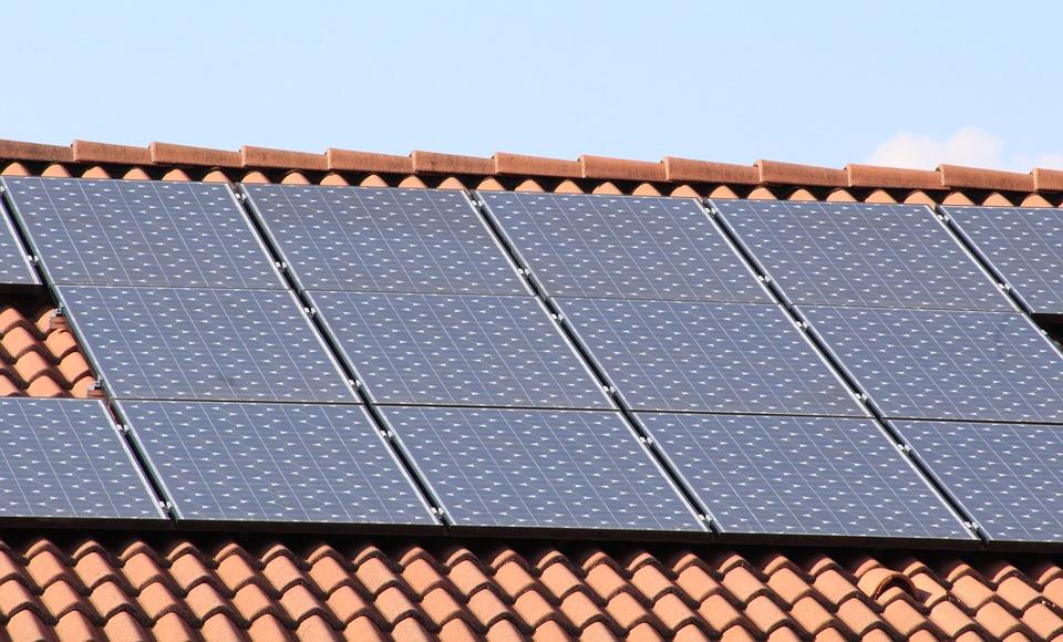 Panele słoneczne – czy warto je zainstalować?