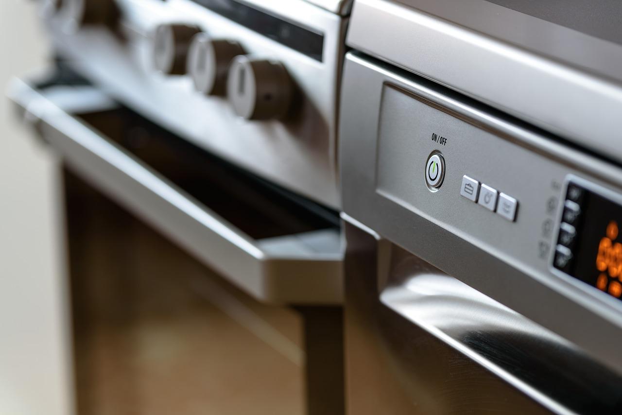 W jaki sposób rozpoznać, że ulatnia się gaz w mieszkaniu?